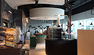 10% de réduction <p>Restaurant self-service proposant les grands classiques de la cuisine belge ainsi que des spécialités internationales</p>