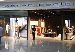 10% de réduction <p>Vêtements et accessoires Sarah Pacini pour dames</p>