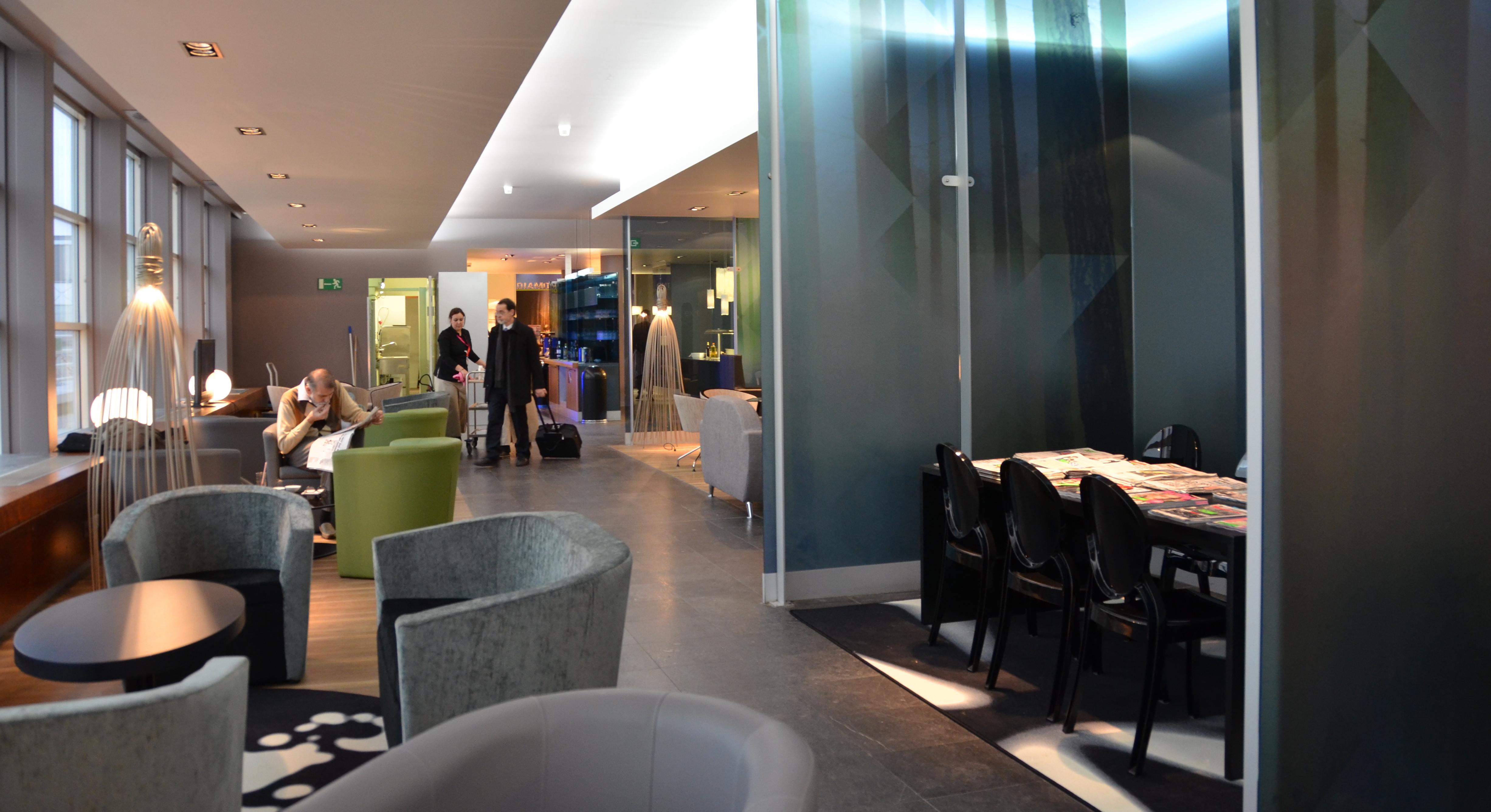 Diamond lounge 25€ <p>De prijs bedraagt nu slechts € 25 in plaats van € 32, te betalen met kredietkaart of Maestro aan de receptie van de lounge.</p>